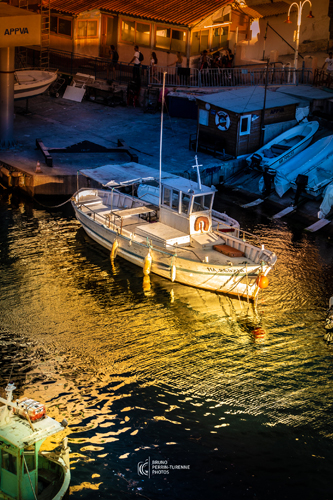 Bateau au Vallon des Auffes | Photos de Marseille | Bruno Perrin-Turenne Photos